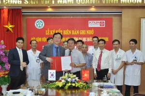[Vietnam] Signing ceremony of MOU with Bach Mai Hospital, Hanoi 관련사진